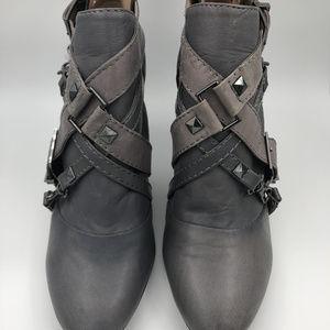 RACHEL Rachel Roy Shoes - Rachel Roy Rfvillie Gray Boots/Booties Size 9 NWOT